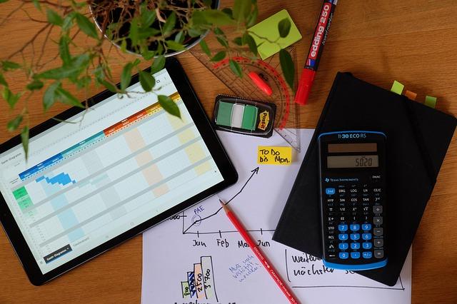 Księgowy a doradca podatkowy – czy są jakieś różnice w tych zawodach?